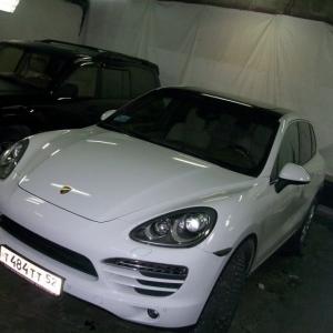 Porsche Cayenne, Черная глянцевая крыша